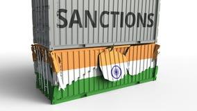 Το εμπορευματοκιβώτιο με το κείμενο ΚΥΡΩΣΕΩΝ σπάζει το εμπορευματοκιβώτιο φορτίου με τη σημαία της Ινδίας Αποκλεισμός ή πολιτική  ελεύθερη απεικόνιση δικαιώματος