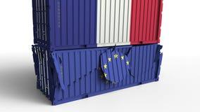 Το εμπορευματοκιβώτιο με τη σημαία της Γαλλίας σπάζει το εμπορευματοκιβώτιο φορτίου με τη σημαία της Ευρωπαϊκής Ένωσης Εμπορικός  ελεύθερη απεικόνιση δικαιώματος