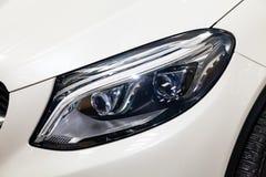 Το μέτωπο οδήγησε την άποψη προβολέων στάσεων αυτοκινήτων της Mercedes-Benz GLE Coupe AMG 63s πολυτέλειας των πολύ ακριβών νέων ά στοκ εικόνες με δικαίωμα ελεύθερης χρήσης