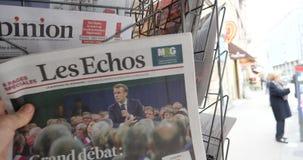 Το Brexit μεγάλο Debat που χαρακτηρίζει το Emmanuel macron καλύπτει Les Echos απόθεμα βίντεο