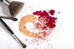 Το Concealer κοκκινίζει κραγιόν Καλλυντικά σύνθεσης στοκ εικόνα