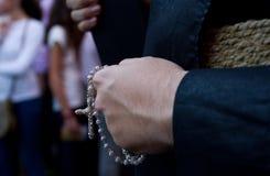 Το Nazareno με rosary του διακοσμεί με χάντρες σε διαθεσιμότητα στοκ εικόνα
