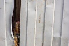 Τσαλακωμένος ζαρωμένος φράκτης στοκ φωτογραφίες