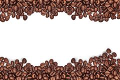 Φασόλια καφέ και διαφορετικοί τύποι καφέδων Άσπρη ανασκόπηση Διάστημα για το κείμενο ή τη λέξη στοκ εικόνα