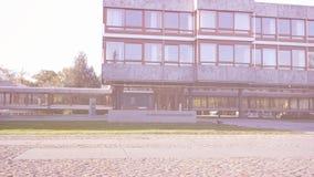 Φλόγα φακών πέρα από το ομοσπονδιακό κτήριο Bundesverfassungsgericht Συνταγματικού Δικαστηρίου απόθεμα βίντεο