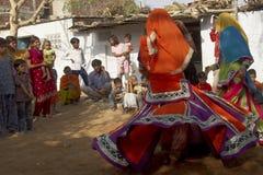 Φυλετικοί χορευτές στο Jaipur, Ινδία στοκ εικόνες