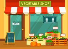 Φυτικός προθήκη ή μετρητής καταστημάτων με τα τρόφιμα στοκ εικόνες με δικαίωμα ελεύθερης χρήσης