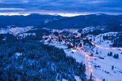 Χειμερινό θέρετρο Borsec, εναέρια άποψη στο ηλιοβασίλεμα στοκ φωτογραφίες
