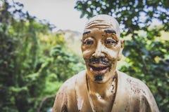 Χονγκ Κονγκ, το Νοέμβριο του 2018 - άτομο παχύ Sze μοναστηριών Buddhas δέκα χιλιάδων στοκ φωτογραφία