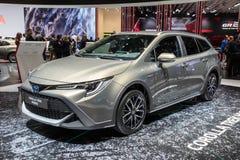 Υβριδικό αυτοκίνητο οδοιπορικού της Toyota Corolla στοκ εικόνα με δικαίωμα ελεύθερης χρήσης
