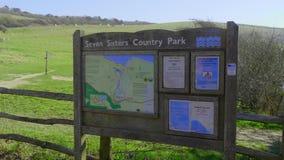 Πάρκο χώρας επτά αδελφών στη νότια παράλια Βασίλειο κοντά στο Ήστμπουρν - το Ήστμπουρν, Ηνωμένο Βασίλειο - Φεβρουάριος απόθεμα βίντεο