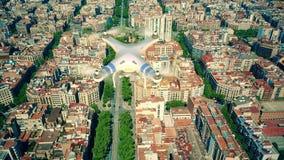 Πέταγμα και μαγνητοσκόπηση κηφήνων επάνω από το σχέδιο φραγμών της Βαρκελώνης φιλμ μικρού μήκους