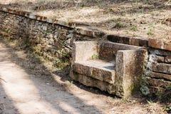 Πέτρινο πάρκο πάγκων στοκ φωτογραφία με δικαίωμα ελεύθερης χρήσης