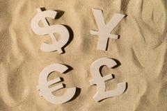 Παγκόσμιος πλούτος στην άμμο στοκ φωτογραφία