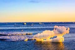 Παγόβουνα στον αρκτικό ωκεανό στοκ φωτογραφία
