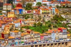 Παλαιά πόλης άποψη του Πόρτο, Πορτογαλία με τον ποταμό Douro στοκ εικόνα