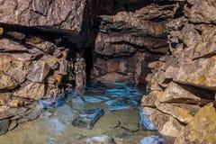 Παλαιό εγκαταλειμμένο πλημμυρισμένο ορυχείο Gurievsky ασβεστόλιθων σε Byakovo, περιοχή της Τούλα στοκ φωτογραφία με δικαίωμα ελεύθερης χρήσης