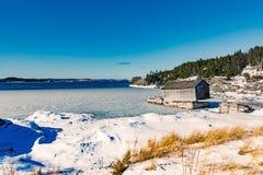 Παλαιό νέο παγκόσμιο νησί NL Καναδάς σκηνικών καλυβών αλιείας στοκ εικόνες