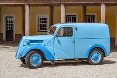 Παλαιό πρότυπο αυτοκινήτων σε Picadeiro DelÂ'Rey στην περιτοιχισμένη πόλη Almeida στοκ εικόνα με δικαίωμα ελεύθερης χρήσης