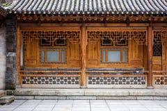 Παραδοσιακή ξύλινη κινεζική αρχιτεκτονική του σπιτιού στοκ φωτογραφία με δικαίωμα ελεύθερης χρήσης