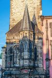 Παρεκκλησι Δημαρχείων στην παλαιά πλατεία της πόλης - Πράγα στοκ εικόνα
