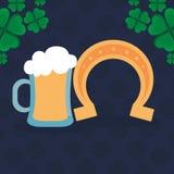 Πεταλοειδής τυχερός με το βάζο μπύρας ελεύθερη απεικόνιση δικαιώματος