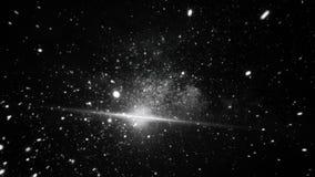 Πετώντας μέσω των άσπρων τομέων αστεριών βαθύ, μαύρο σε διαστημικό, μονοχρωματικός Πτήση μέσω του κόσμου και των nebulas, ατελείω ελεύθερη απεικόνιση δικαιώματος