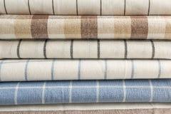 Πετσέτες υφάσματος ως υπόβαθρο στοκ εικόνες με δικαίωμα ελεύθερης χρήσης