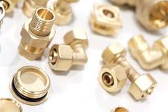 Πολλοί τύποι ορείχαλκων χαλκού μετάλλων απαριθμούν το βιομηχανικό υπόβαθρο σχεδίου στοκ εικόνα με δικαίωμα ελεύθερης χρήσης