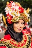 Πορτρέτο ενός κοριτσιού με το κοστούμι φαντασίας στο λαϊκό φεστιβάλ τεχνών της δυτικής Ιάβας στοκ φωτογραφία