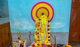 Πορτρέτο της ινδής θεάς Saraswati κατά τη διάρκεια του φεστιβάλ puja Saraswati στοκ φωτογραφίες με δικαίωμα ελεύθερης χρήσης