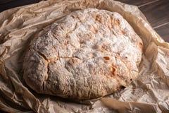 Πρόσφατα ψημένο παλαιό ψωμί στοκ φωτογραφία με δικαίωμα ελεύθερης χρήσης