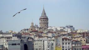 Πύργος της Ιστανμπούλ Galata και περιβάλλοντα κτήρια, Τουρκία απόθεμα βίντεο