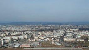 Πόλη Ploiesti, Ρουμανία, κατοικημένη ζώνη δυτικών πλευρών, εναέριο μήκος σε πόδηα φιλμ μικρού μήκους