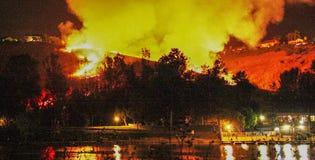Πυρκαγιά θαμνότοπων σε νότια Καλιφόρνια στοκ φωτογραφίες