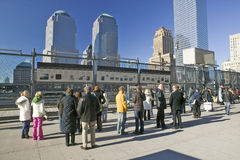 ï ¿在Earthï ¿ ½世界贸易的½孔耸立纪念站点2001年9月11日,纽约, NY 库存照片