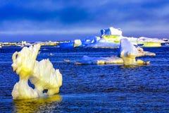 Айсберги в Северном океане стоковые изображения