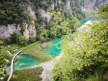 Антенна и панорамный вид национального парка озер Plitvice стоковые фотографии rf