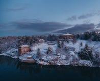 Архипелаг увиденный на холодном утре зимы, Швеция Стокгольма крепости Oskar-Fredriksborg стоковая фотография