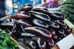 Баклажаны на рынке стоковое фото