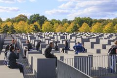 Берлин, Германия, мемориал, жертвы холокоста, туристы, архитектура, искусство, блок, Европа, фашизм, музей стоковые изображения