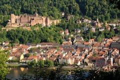 Бдительность городка Гейдельберга, Германии небольшая немецкая стоковые изображения rf