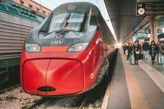 Быстроходный поезд Italo стоковые фотографии rf