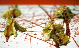 Вареники Pekinese свиньи уха служили с соусом hoisin и barbecued цитрусом Марлином стоковая фотография