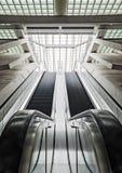 Вертикальные эскалаторы на вокзале Liège стоковое фото rf
