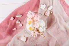 Верхняя часть десерта зефира мороженого белая вниз с взгляда стоковое фото rf