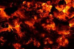 Взгляд гореть тлеющих углей стоковое изображение rf