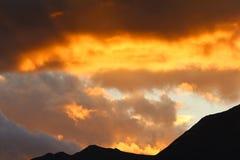 Взгляд на заходе солнца от бдительности блефа Bennetts, озера Wakatipu, Новой Зеландии стоковые фото