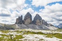 Взгляд на доломитах Альп итальянца Tre Cime di Lavaredo Изумительн стоковое фото