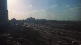 Взгляд промежутка времени улицы карниза Абу-Даби и дворец эмиратов сток-видео